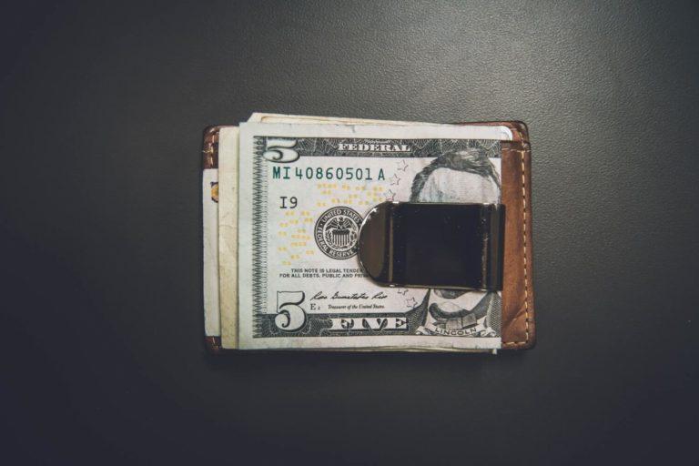 Sänk eller minska kostnaderna i företaget och bolaget