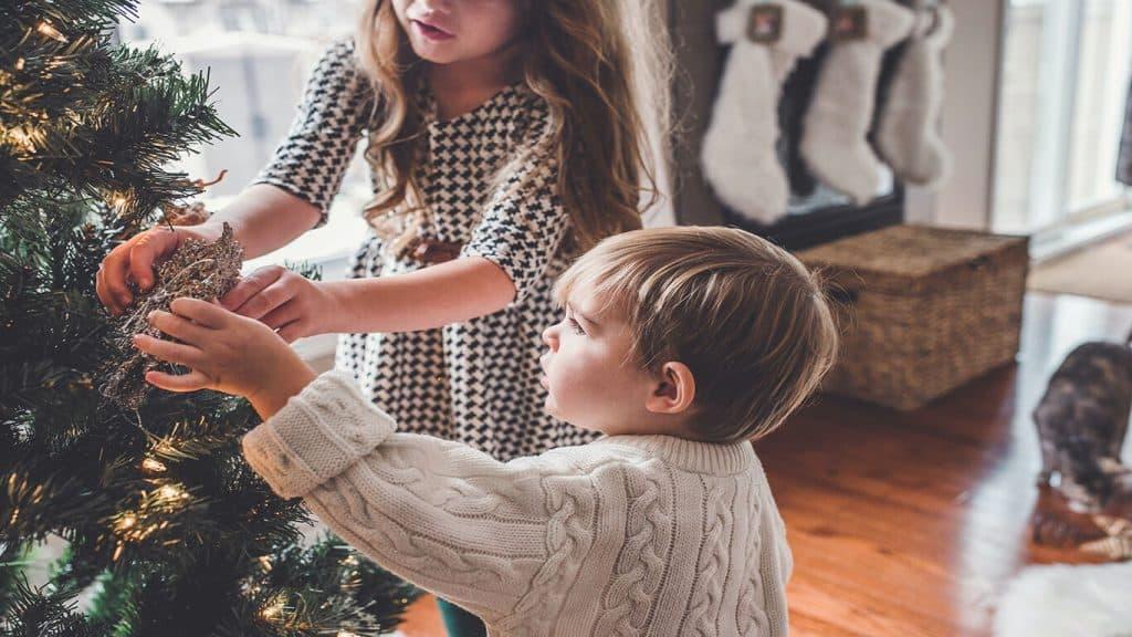 Ska man ge bort aktier eller fonder i julklapp